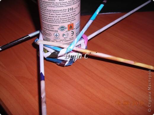 Мастер-класс Плетение Украшение на стену Плетеный венок из газетных трубочек с небольшим МК Бумага газетная фото 9