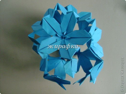 Poinsettia из книги Mukerji M.-Marvelous modular origami. Схему для неё любезно предоставила Олеся1979   на http://stranamasterov.ru/node/66700 фото 17