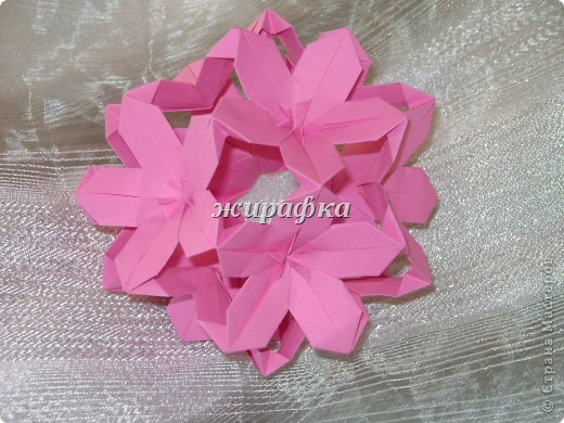Poinsettia из книги Mukerji M.-Marvelous modular origami. Схему для неё любезно предоставила Олеся1979   на http://stranamasterov.ru/node/66700 фото 19