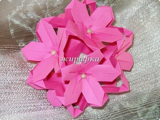Poinsettia из книги Mukerji M.-Marvelous modular origami. Схему для неё любезно предоставила Олеся1979   на http://stranamasterov.ru/node/66700 фото 22