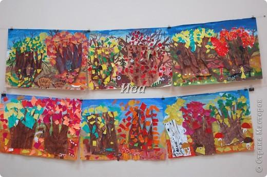 Тема осенний пейзаж. Работали в таком порядке сначала гуашью рисовали фон, затем приклеивали стволы, предварительно вырезав их и раскрасив , при приклеивании стволов слегка присборивали их имитируя неровность коры. Затем работали над кроной деревьев. Использовали рваную технику. На заключительном занятии рисовали персонажей в нашем осеннем лесу. фото 3
