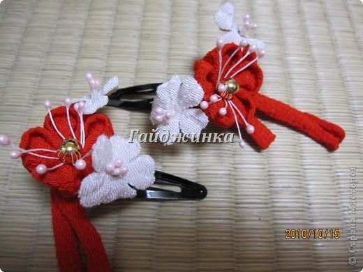 Канзаши (Kanzashi) - украшения для волос, используемые в традиционных китайских и японских прическах. Сразу оговорюсь, что я сама их не делала. Это покупные. Выставляю, может, кому пригодятся идеи. фото 4