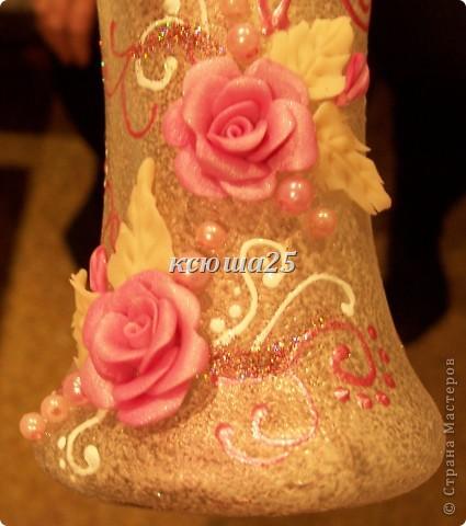 Мамуля приехала в гости и привезла бокал,ну вот мы его и раскрасили. Он стал похож на маленькую вазочку,потому что его форма как раз подходит. Наверно будет для маминых цветочков,она их так любит выращивать))) фото 2