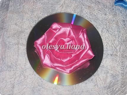 Розы из атласных лент фото 3