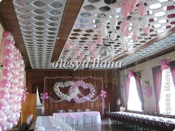 Украсила свадьбу шарами и тканью  фото 3