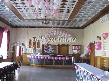 Украсила свадьбу шарами и тканью  фото 6