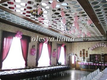 Украсила свадьбу шарами и тканью  фото 7