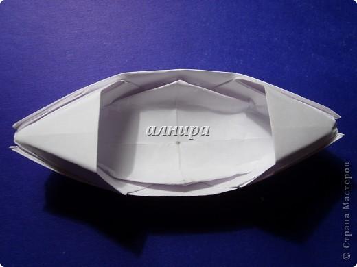 Эта лодочка чуть сложнее предыдущей. Если не ошибаюсь, называется сампан. фото 1