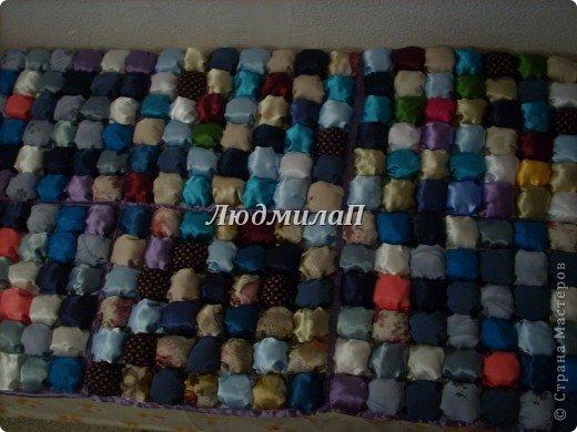 Сшила для внучки одеялко в технике ,,Пуфики,, Размер 132см Х 95 см http://quiltstudio.ru/?p=438#more-438 там всё пошагово описывается.Успеха!   фото 14