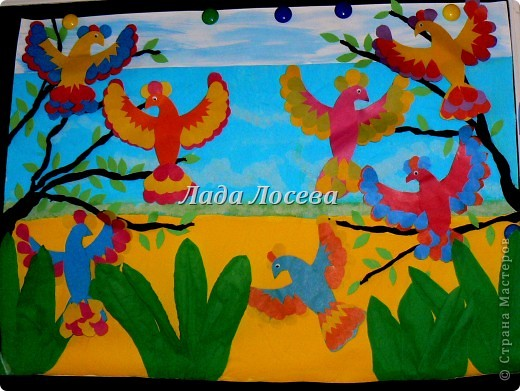 Мои ребята поселили своих птичек на общую картину. И теперь такая солнечная и тёплая работа украшает кабинет продлёнки. фото 1