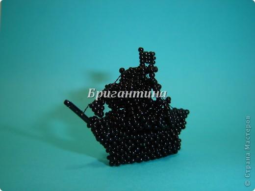 Бриг — двухмачтовое парусное судно.  Бриг был создан на базе небольшой бригантины и шнявы и применялся главным образом как разведывательный корабль.  фото 4