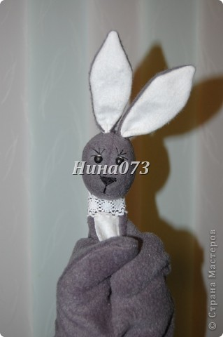 Попросили меня сшить зайца ну только на руку , чтобы с 2х летнем ребенком играть. фото 3