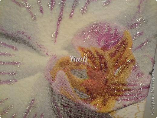 """Сегодня у моей замечательной и горячо любимой подруженции, с которой мы дружим уже (страшно даже называть такую цифру))) более 20 лет, был День рождения. И так как она у меня любительница конфет """"Раффаэлло"""", красного и орхидей,  то подарок придумался сам собой. фото 9"""