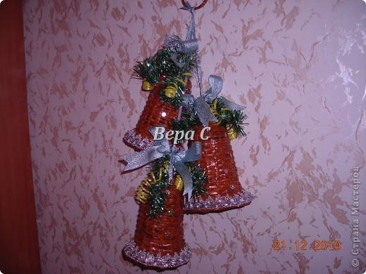 Рождественская подвеска из колокольчиков фото 1