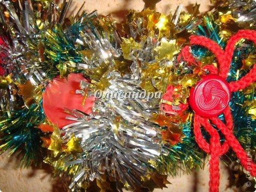 Вчера,гуляя по Стране Мастеров,я увидела рождественский венок  http://stranamasterov.ru/node/129253 Конечно,я смотрела на них и раньше, но этот меня вдохновил... Вдохновение совпало с наличием свободного времени ... и процесс начался... фото 6