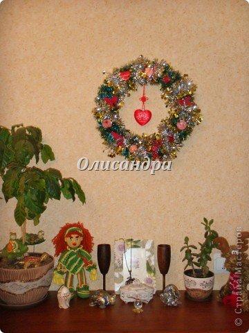 Вчера,гуляя по Стране Мастеров,я увидела рождественский венок  http://stranamasterov.ru/node/129253 Конечно,я смотрела на них и раньше, но этот меня вдохновил... Вдохновение совпало с наличием свободного времени ... и процесс начался... фото 8
