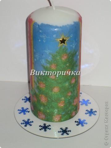 К Новому году, ко дню рождения или на день влюблённых - всегда зажигают свечи! Предлагаю Вашему вниманию простой МК по декупажированию свечи. фото 13