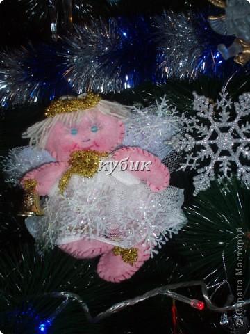 вот такого Рождественского ангела сшила на елку, швы видно на нем специально, мне почему то больше так нравится:)) фото 1
