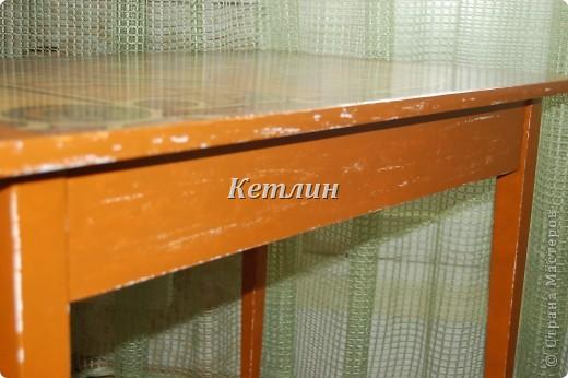 Вот такой столик стоит у нас теперь на кухне)))))Сделали распечатку,использовала технику шебби (потертости)акриловая краска и яхтный лак. фото 3