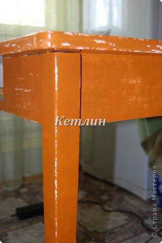 Вот такой столик стоит у нас теперь на кухне)))))Сделали распечатку,использовала технику шебби (потертости)акриловая краска и яхтный лак. фото 4