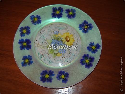 Тарелка, обратный декупаж, цветочки тоже нарисованы с изнаночной стороны. С этой тарелочки можно кушать. фото 1