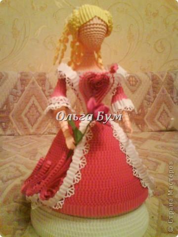 Дама в розовом платье с розой в руках. Из гофрокартона. Придумала её полностью сама. Придумала и сделала! фото 13