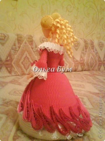 Дама в розовом платье с розой в руках. Из гофрокартона. Придумала её полностью сама. Придумала и сделала! фото 15