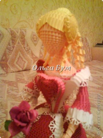 Дама в розовом платье с розой в руках. Из гофрокартона. Придумала её полностью сама. Придумала и сделала! фото 14