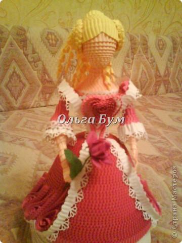 Дама в розовом платье с розой в руках. Из гофрокартона. Придумала её полностью сама. Придумала и сделала! фото 10