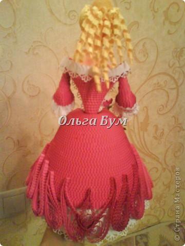 Дама в розовом платье с розой в руках. Из гофрокартона. Придумала её полностью сама. Придумала и сделала! фото 3