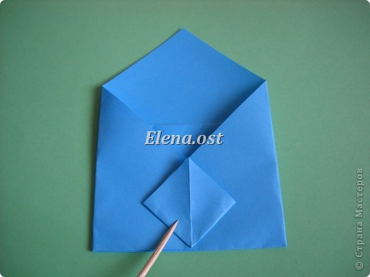 Конверт-оригами для маленькой  открытки. Украшаем цветами в технике квиллинг. При копировании статьи, целиком или частично, пожалуйста, указывайте активную ссылку на источник! http://stranamasterov.ru/user/9321 http://stranamasterov.ru/node/142138 фото 12