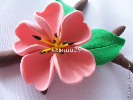 вот мой новый цветик,так нравиться,пока что он применение не нашел,только в стадии разработки)))Сейчас я леплю их много и планирую кое -что собрать....... фото 2
