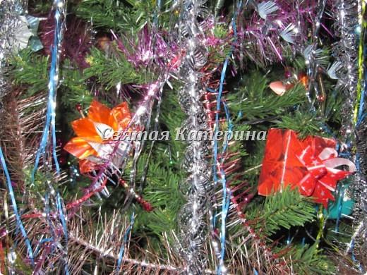 красная коробочка в технике оригами сделана впервые для новогодней елки !