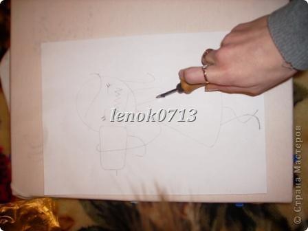 я рисовала разными способами.. через самостоятельно изготовленный шаблон..и как в данном случае от руки по переведенному рисунку....  фото 10