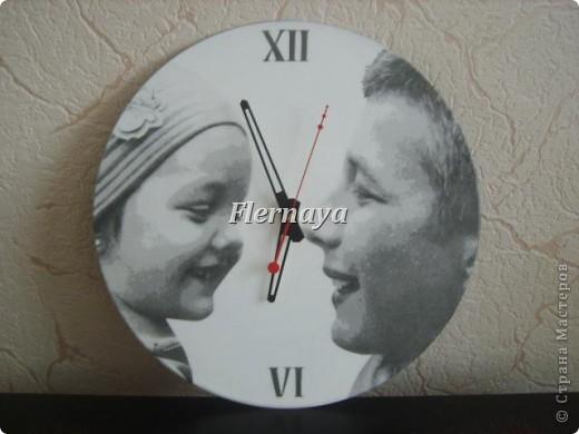 Часы. Основа-виниловая пластинка. Декупаж с фото. фото 1
