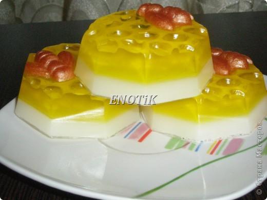 Медовый аромат,в составе натуральный мед,масла,пчеклка окрашена пигментом фото 3