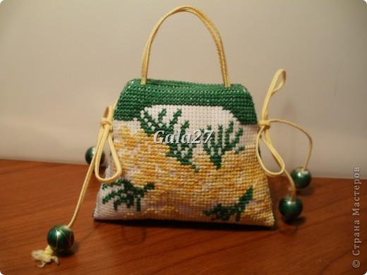 вот такая весенняя сумочка-игольница фото 2