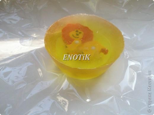 Мыло детское с игрушкой фото 2
