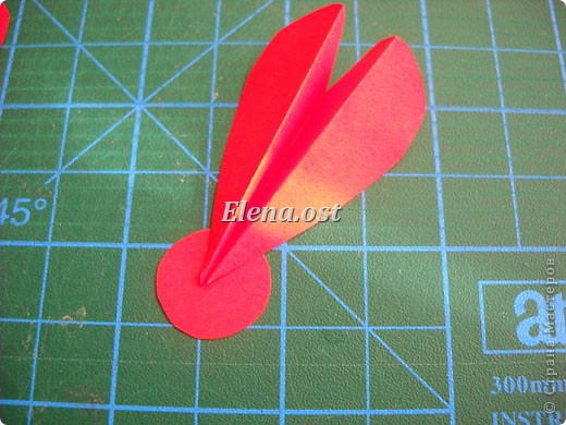 При копировании статьи, целиком или частично, пожалуйста, указывайте активную ссылку на источник! http://stranamasterov.ru/user/9321 http://stranamasterov.ru/node/152999 Открытка-сумочка в технике оригами -- очень удобный вариант поздравления. В сумочку можно положить небольшой сувенир и сладкий подарок. Открытку можно украсить различными декоративными элементами. фото 25