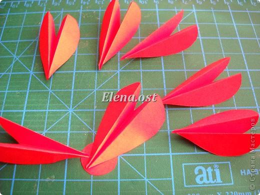 При копировании статьи, целиком или частично, пожалуйста, указывайте активную ссылку на источник! http://stranamasterov.ru/user/9321 http://stranamasterov.ru/node/152999 Открытка-сумочка в технике оригами -- очень удобный вариант поздравления. В сумочку можно положить небольшой сувенир и сладкий подарок. Открытку можно украсить различными декоративными элементами. фото 26