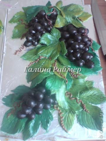 Виноград, <i>подарок из тестопластике</i> в процессе работы фото 1