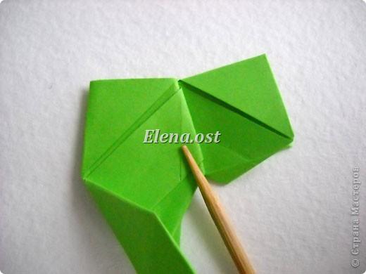 Кусудама Enrica. 60 модулей. Собираем 12 цветов-звездочек на клей по пять модулей. При квадрате 5Х5 см размер кусудамы 8 см, при 7Х7 см - 12 см. Бумагу лучше брать офисную для принтера или специальную для оригами. При копировании статьи, целиком или частично, пожалуйста, указывайте активную ссылку на источник! http://stranamasterov.ru/node/157778 http://stranamasterov.ru/user/9321  фото 17