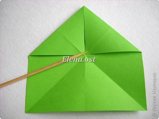 Кусудама Enrica. 60 модулей. Собираем 12 цветов-звездочек на клей по пять модулей. При квадрате 5Х5 см размер кусудамы 8 см, при 7Х7 см - 12 см. Бумагу лучше брать офисную для принтера или специальную для оригами. При копировании статьи, целиком или частично, пожалуйста, указывайте активную ссылку на источник! http://stranamasterov.ru/node/157778 http://stranamasterov.ru/user/9321  фото 5