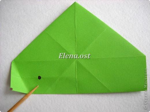 Кусудама Enrica. 60 модулей. Собираем 12 цветов-звездочек на клей по пять модулей. При квадрате 5Х5 см размер кусудамы 8 см, при 7Х7 см - 12 см. Бумагу лучше брать офисную для принтера или специальную для оригами. При копировании статьи, целиком или частично, пожалуйста, указывайте активную ссылку на источник! http://stranamasterov.ru/node/157778 http://stranamasterov.ru/user/9321  фото 8