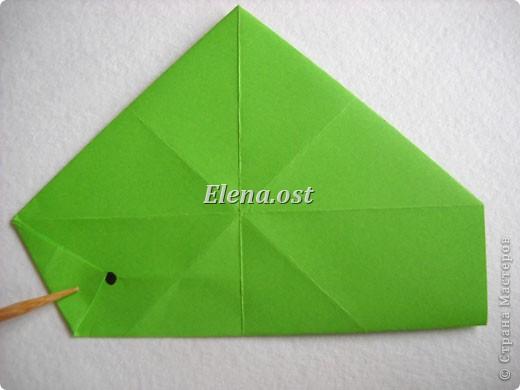 Кусудама Enrica. 60 модулей. Собираем 12 цветов-звездочек на клей по пять модулей. При квадрате 5Х5 см размер кусудамы 8 см, при 7Х7 см - 12 см. Бумагу лучше брать офисную для принтера или специальную для оригами. При копировании статьи, целиком или частично, пожалуйста, указывайте активную ссылку на источник! http://stranamasterov.ru/node/157778 http://stranamasterov.ru/user/9321  фото 9