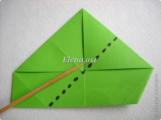Кусудама Enrica. 60 модулей. Собираем 12 цветов-звездочек на клей по пять модулей. При квадрате 5Х5 см размер кусудамы 8 см, при 7Х7 см - 12 см. Бумагу лучше брать офисную для принтера или специальную для оригами. При копировании статьи, целиком или частично, пожалуйста, указывайте активную ссылку на источник! http://stranamasterov.ru/node/157778 http://stranamasterov.ru/user/9321  фото 10