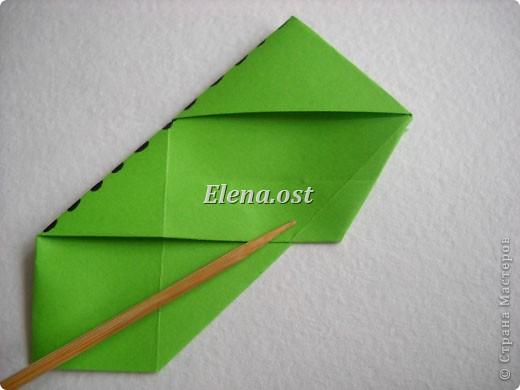 Кусудама Enrica. 60 модулей. Собираем 12 цветов-звездочек на клей по пять модулей. При квадрате 5Х5 см размер кусудамы 8 см, при 7Х7 см - 12 см. Бумагу лучше брать офисную для принтера или специальную для оригами. При копировании статьи, целиком или частично, пожалуйста, указывайте активную ссылку на источник! http://stranamasterov.ru/node/157778 http://stranamasterov.ru/user/9321  фото 11