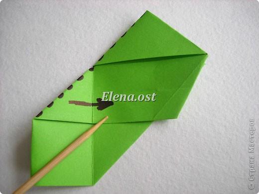 Кусудама Enrica. 60 модулей. Собираем 12 цветов-звездочек на клей по пять модулей. При квадрате 5Х5 см размер кусудамы 8 см, при 7Х7 см - 12 см. Бумагу лучше брать офисную для принтера или специальную для оригами. При копировании статьи, целиком или частично, пожалуйста, указывайте активную ссылку на источник! http://stranamasterov.ru/node/157778 http://stranamasterov.ru/user/9321  фото 12