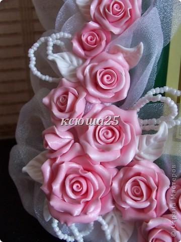 Всем привет. Вот заказала девочка себе рамочку на пол года совместной жизни,маленький такой праздник для двоих,сюрприз для мужа))) Розы сделаны из пластики запекаемой Фимо. Мк этой рамки можно посмотреть вот здесь в моем блоге http://stranamasterov.ru/node/93572 . фото 5