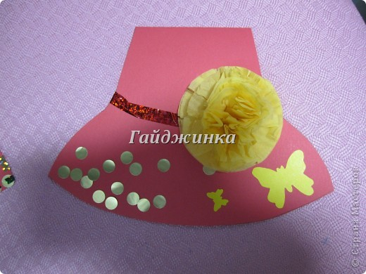 Сегодня поздравляли мам с праздником в младшей группе (1,5 - 3 года). Большое спасибо Татьяне Просняковой за МК замечательных открыток-шляп. http://stranamasterov.ru/node/8052 фото 3